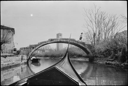 henri cartier bresson photo analysis